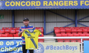 Hayes signs for the Beachboys